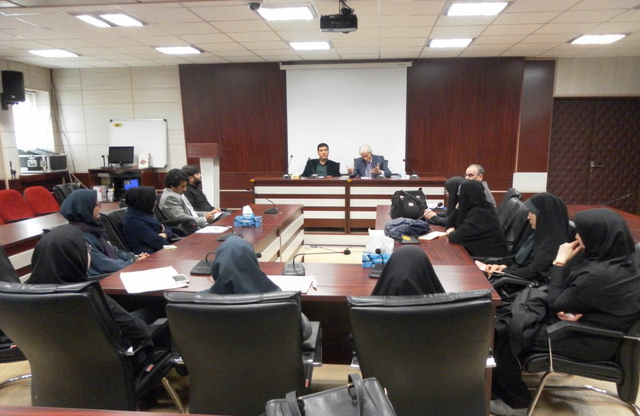 جلسهی هماندیشی مسئولان و مدرسان مرکز